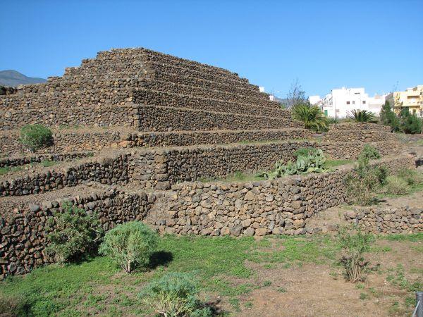 Piramida na Wyspach Kanaryjskich